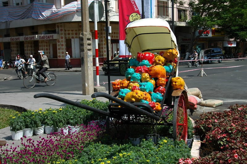 Flowers and Pigs - Ho Chi Minh City, Vietnam