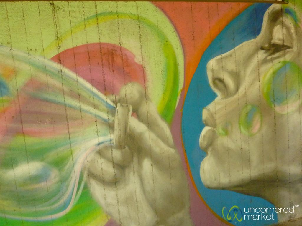 Blowing Bubbles - Street Art in Berlin, Germany