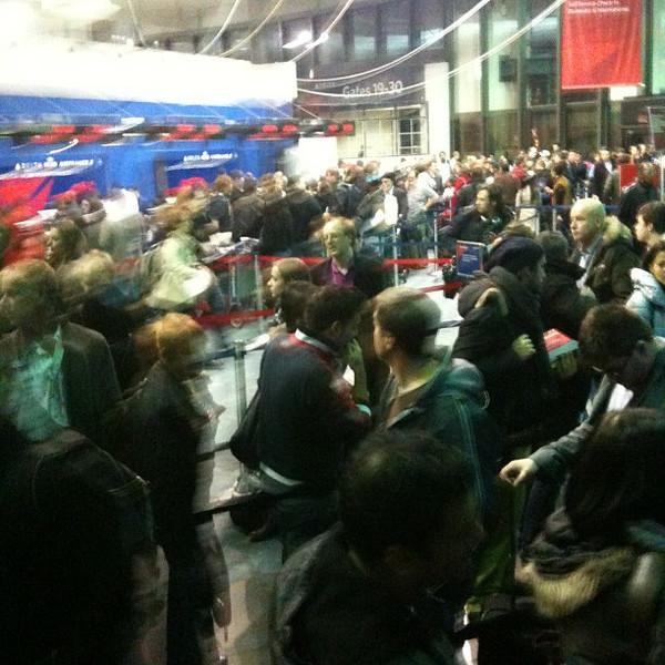 JFK airport holiday mayhem at Terminal 3