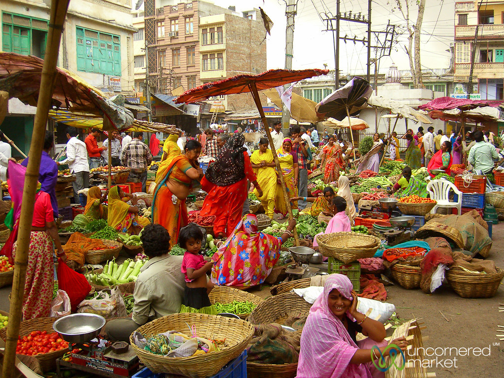 Active Fresh Market in Udaipur, India