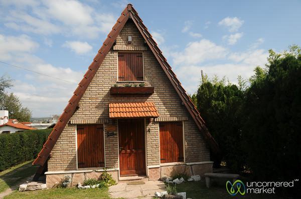 Cute A-Line Family House - La Falda, Argentina