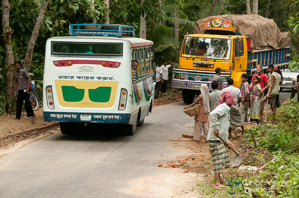 Face Off on the Roads - Bangladesh