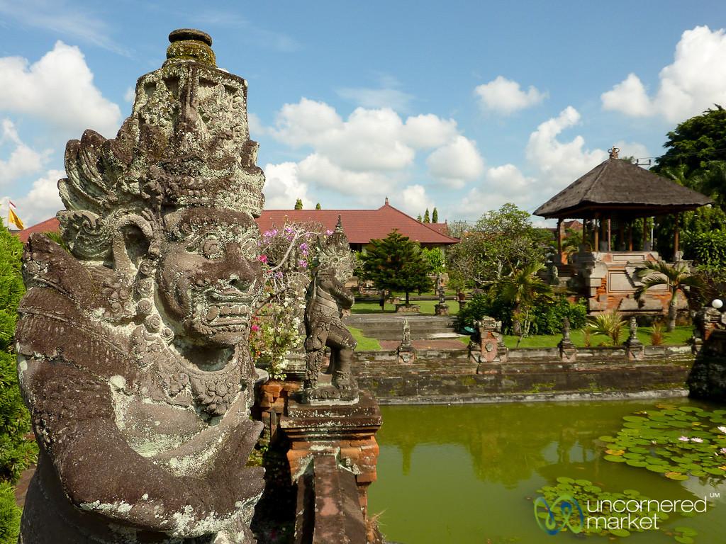 Balinese Hindu Statue - Semarapura Pavillions, Bali