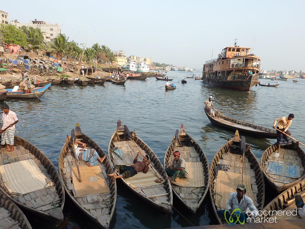 Rowboats at Sadarghat - Dhaka, Bangladesh