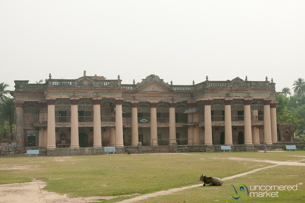 Puthia Palace (Rajbari) - Banglaesh