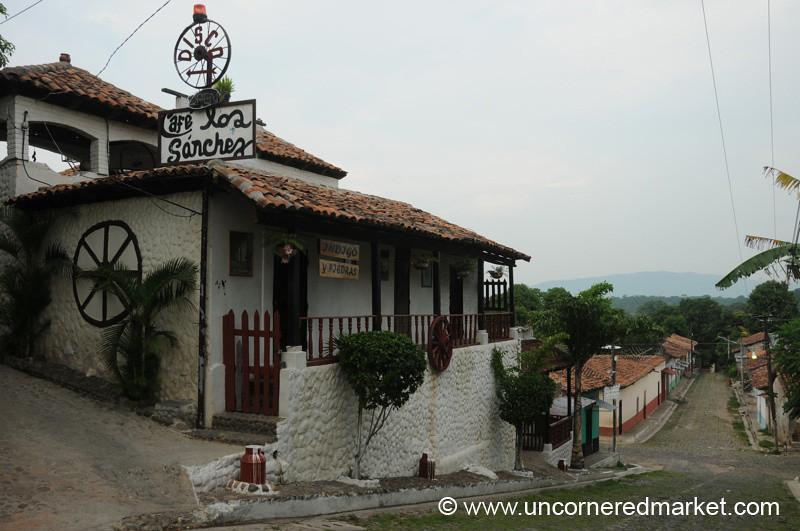 Disco House - Suchitoto, El Salvador