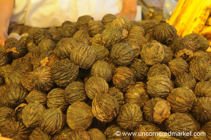 Black Walnuts - Chordeleg, Ecuador