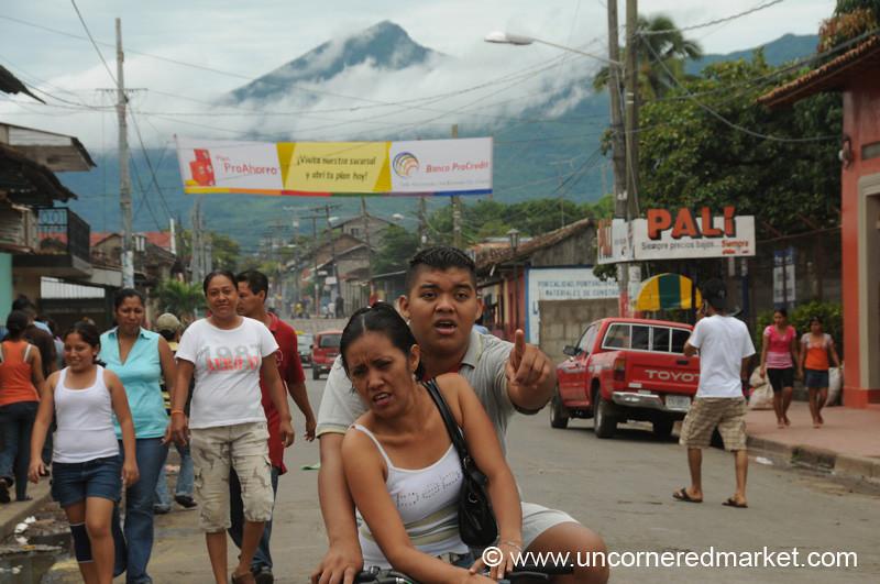 Look! Granada, Nicaragua
