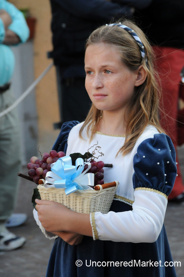 Carrying of the Grapes - Cinigiano, Italy