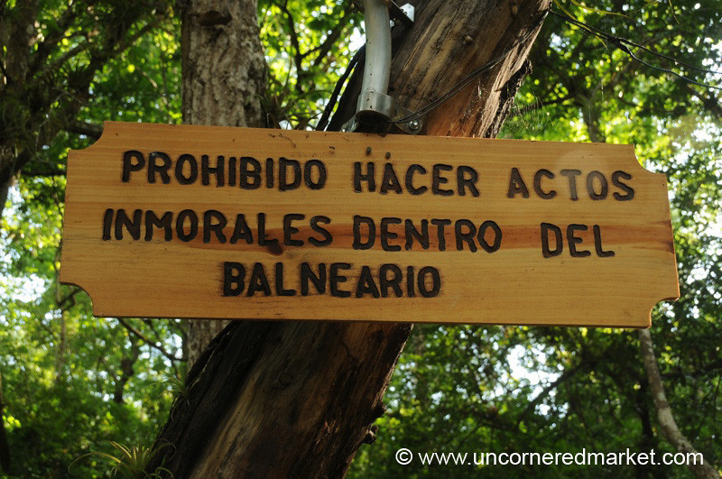 Prohibited to Do Immoral Acts in the Baths - Gracias, Honduras