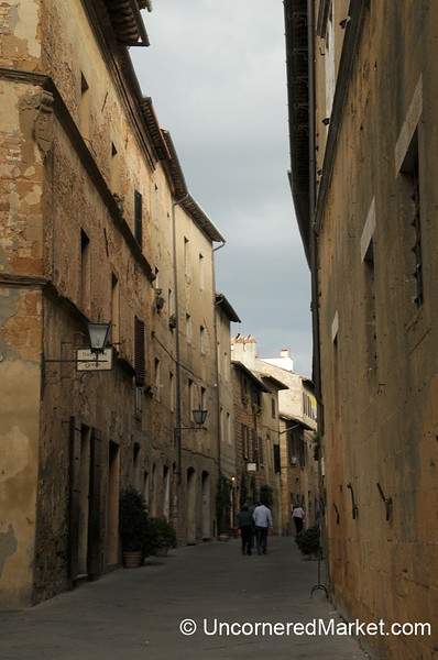 Narrow Streets of Pienza, Tuscany