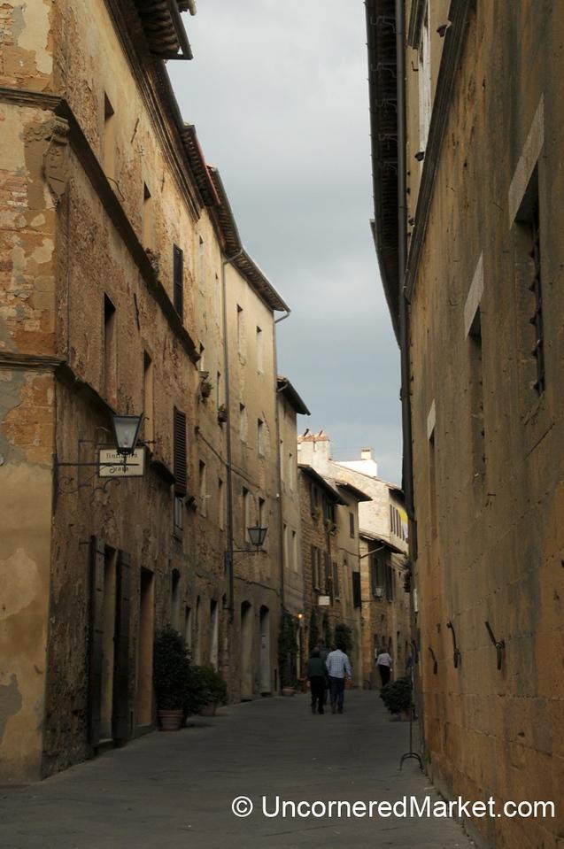 Narrow Streets of Pienza, Tuscany
