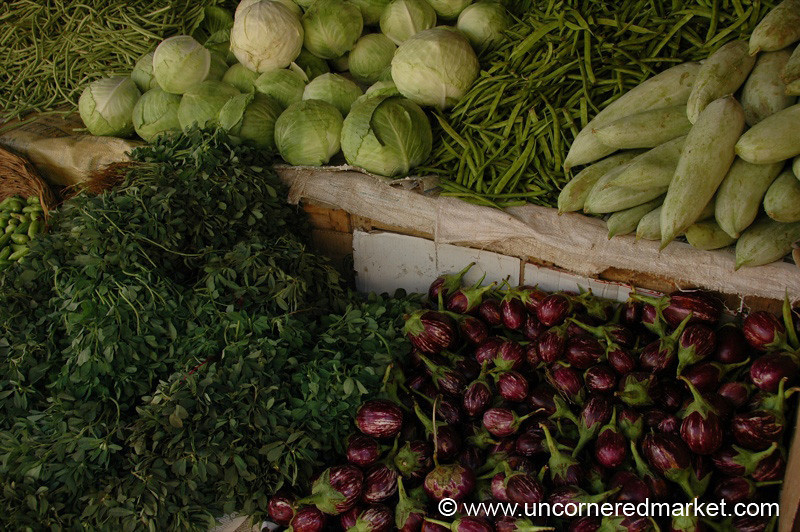 Vegetable Colors: Green and Purple - Kochi, India