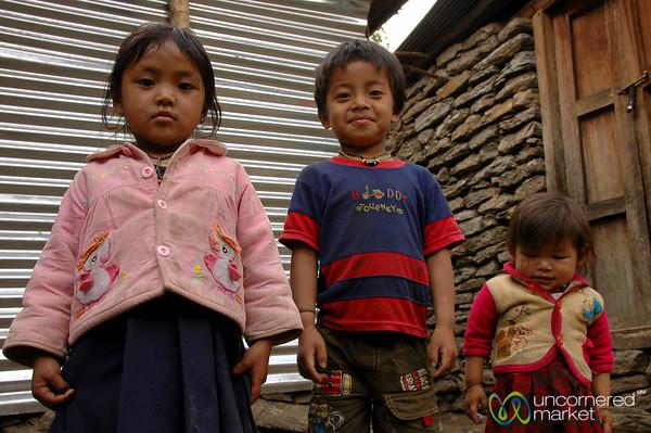 Kids All Lined Up - Annapurna Circuit, Nepal