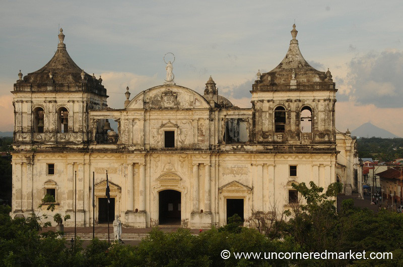Leon, Nicaragua: View of the Cathedral
