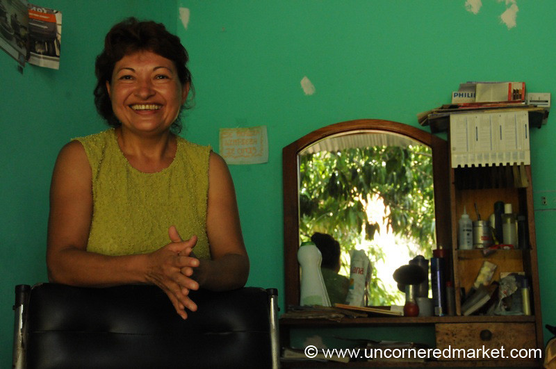 Friendly Hair Dresser - Bermejo, Bolivia