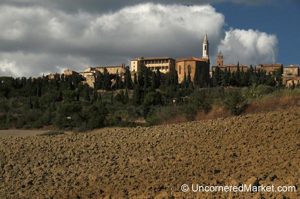 Pienza and Tuscan Farmlands - Italy