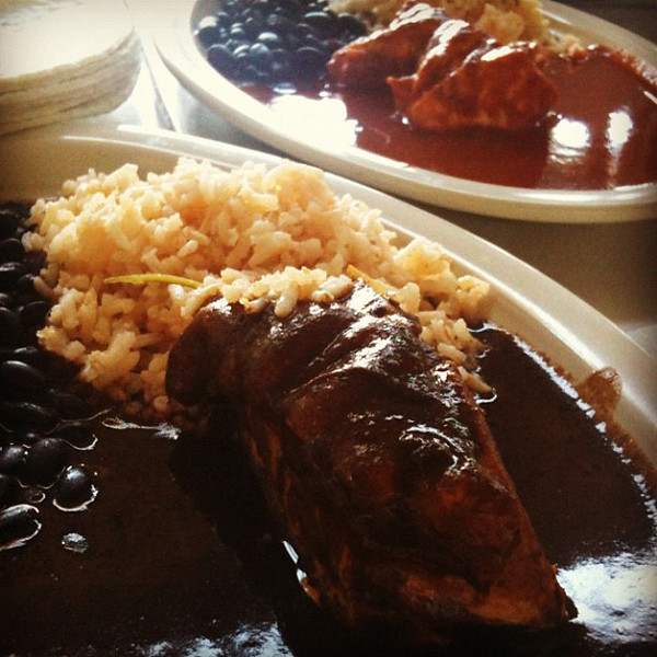 Beginning education in Oaxacan moles. Today's lunch at 20 November mercado features two. Just 5 more mole types to go...