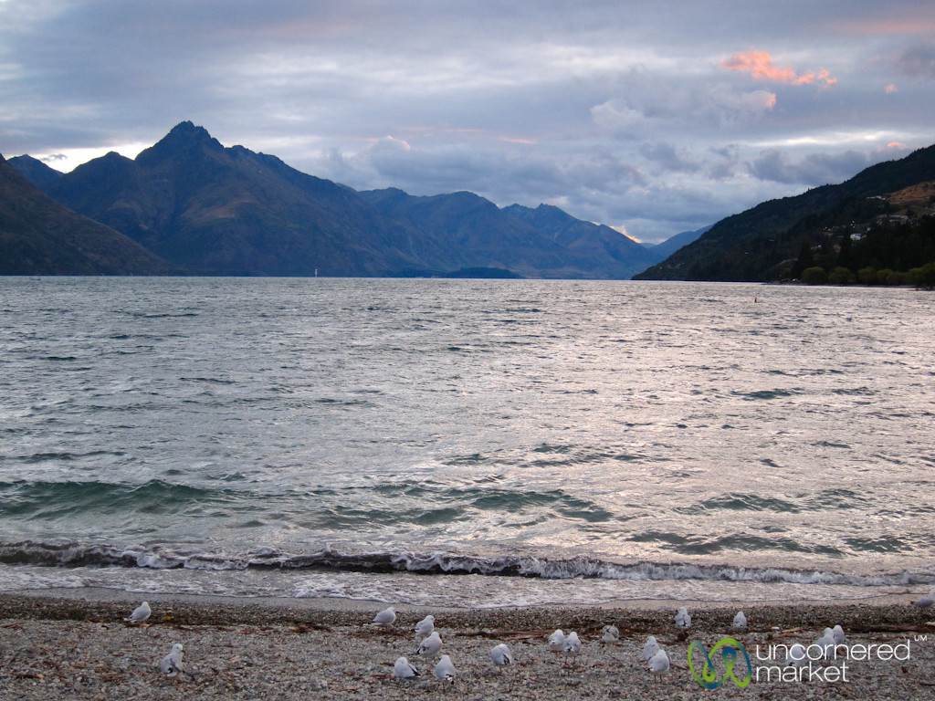Queenstown - Mountains and Water, New Zealand