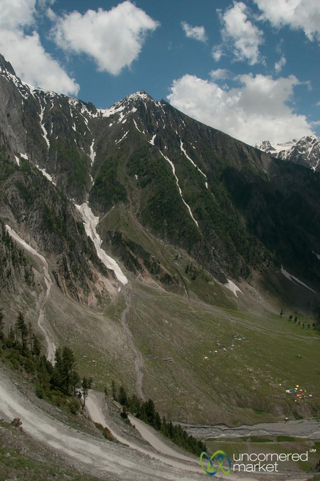 Kashmiri Mountains, Journey from Srinagar to Leh - India