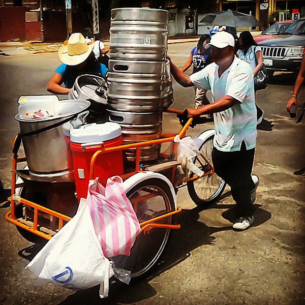 Get your weekend rolling. Mobile beer kegs. Now this is how to have a demonstration #Oaxaca #Mexico
