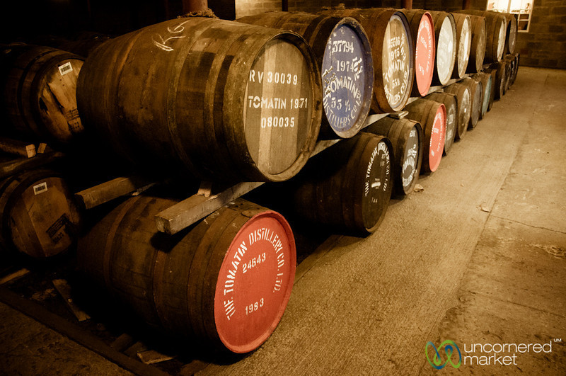 Tomatin Whisky Distillery, Barrells - Scotland