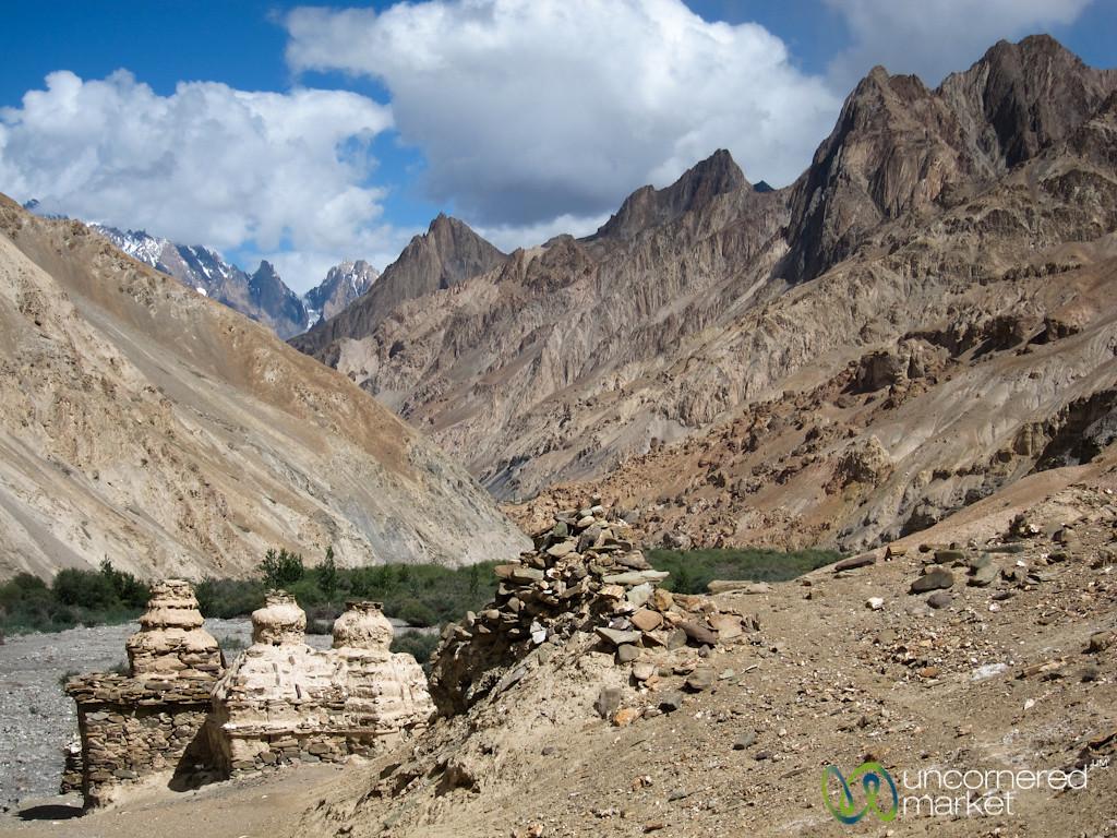 Chortens, Canyons and Mountains - Markha Valley Trek, Ladakh