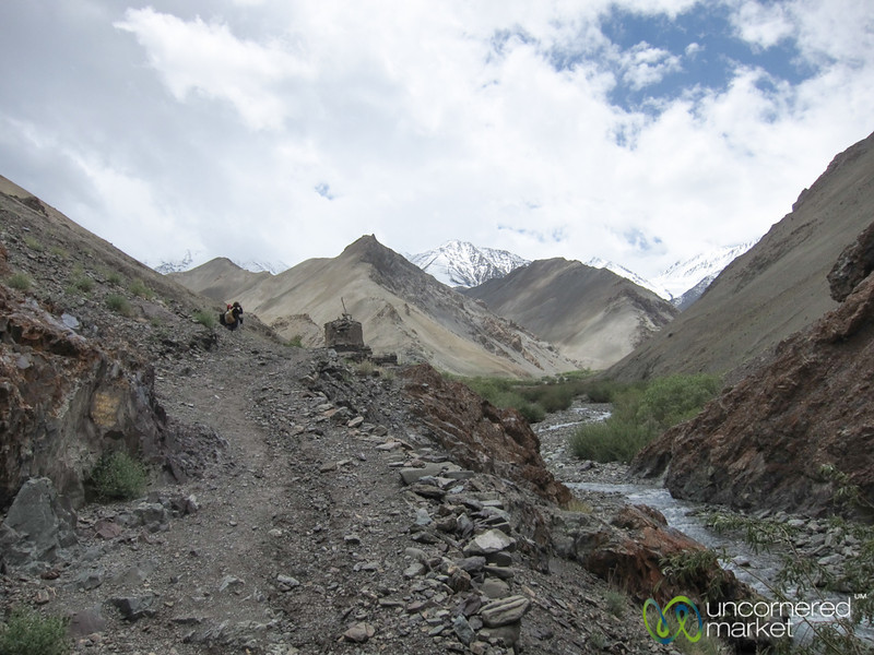 Markha Valley Trek Day 1, Walking Through Canyons - Ladakh, India