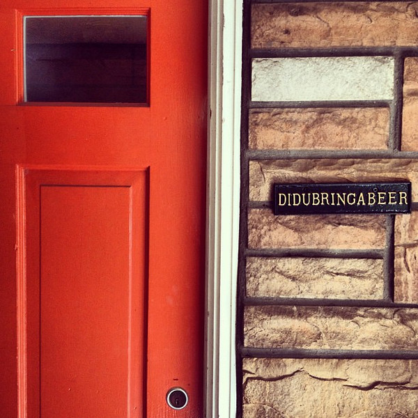 You know you want this name plate for your front door. #beeroclock