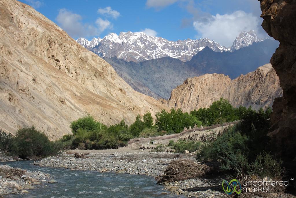River Valleys, Mountains and Blue Skies - Markha Valley Trek, Ladakh