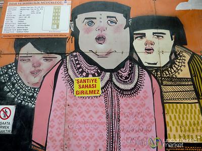 Street Art on İstiklâl Caddesi - Istanbul, Turkey