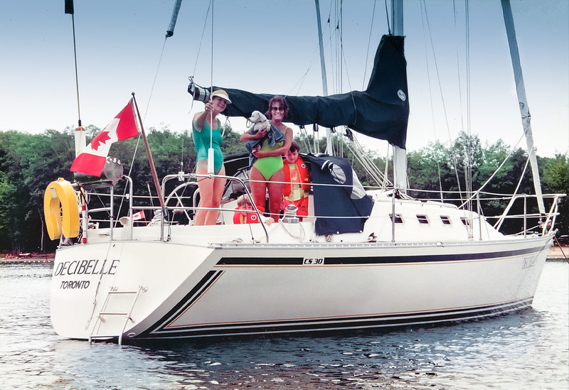 Our 2nd sail boat, a CS30 we had on Georgian Bay 1987-92. Judy joined us with young Harm  & Lon.  Liz holding Toby - taken ca 1988-90. Our first sailboat was a Whitby 27 which we sailed and raced for  many years  ('77-'87) on Lake Ontario c/w spinnaker.