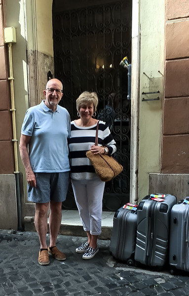 Outside B&B all'Orologio   on Via dei Banchi Nuovi, 47   00186, Roma.  Highly recommend it for it's ideal location, comfortable room, nice breakfasts, friendly service and fair pricing.