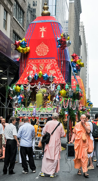 I happened across a Hare Krishna Parade chanting their signature mantra - quite fun and infectious to listen to!