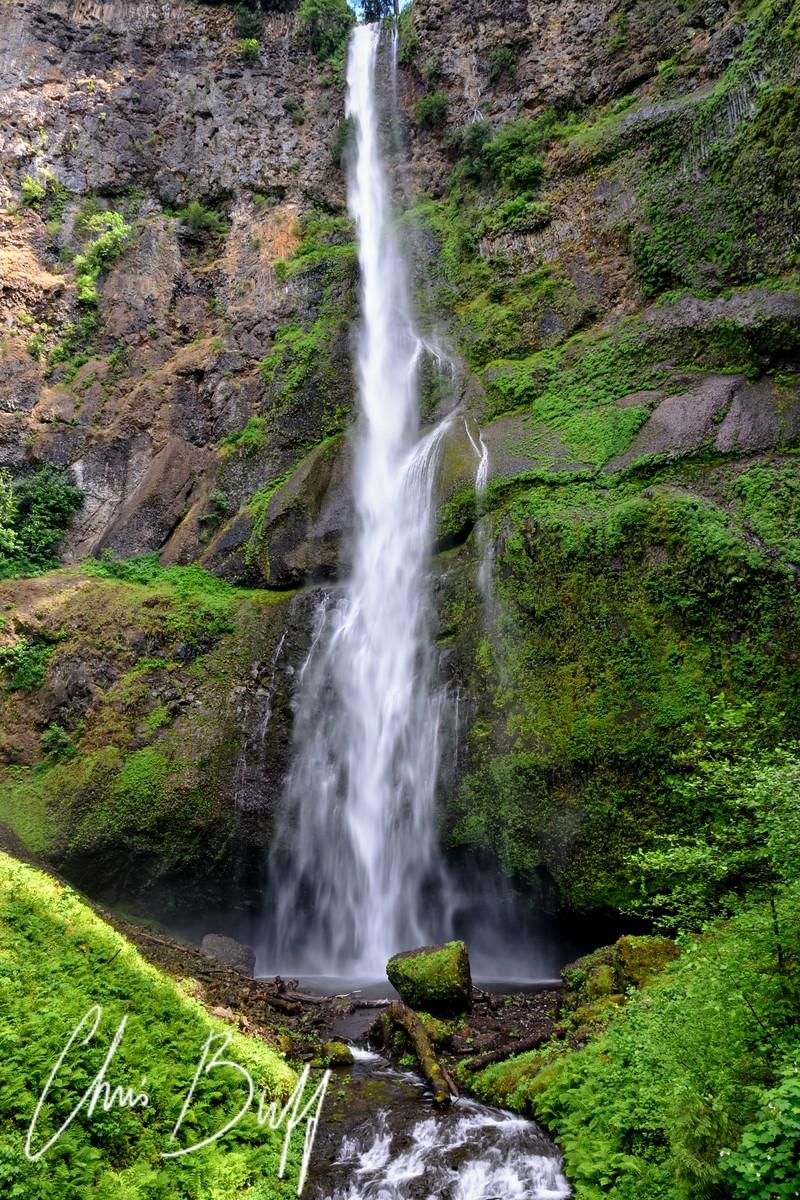 Multnomah Falls, Oregon - 2017 Christopher Buff, www.Aviationbuff.com