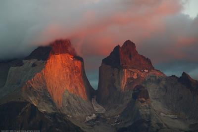 Sunrise. Parque Nacional Torres del Paine, Chile