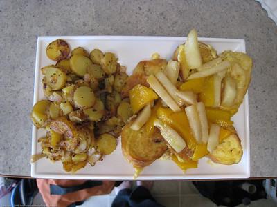 Fruit topped French toast breakfast. Rincon del Viajero. Otavalo, Ecuador.