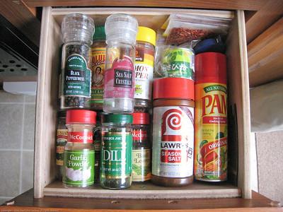 Spice drawer pack. Rincon del Viajero. Otavalo, Ecuador.