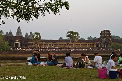 crowds waiting for sunset at Angkor