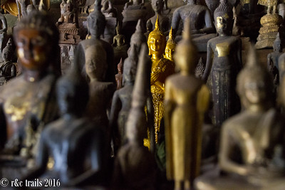pak ou - cave of 1000 buddhas