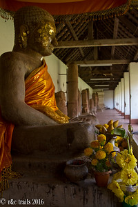 buddha at wat that luang