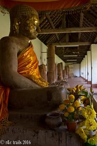 buddha at wat that luang