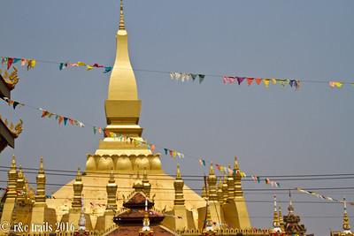 stupa wat that luang