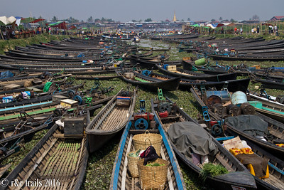lots of locals visit this market as indicated by numerous boats