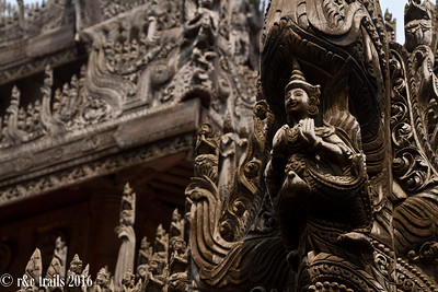 wood carvings at shwe kyaung pagoda.