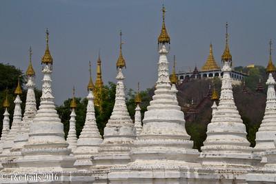 stupas at sandu mani pagoda