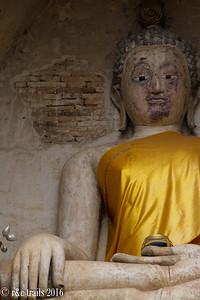 a buddha statue at wat ched yod