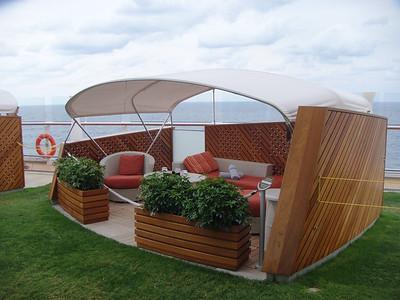 Lawn Club Alcoves