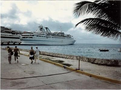 Norwegian Caribbean Lines - Starward