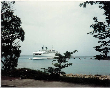 Starward docked in Ocho Rios